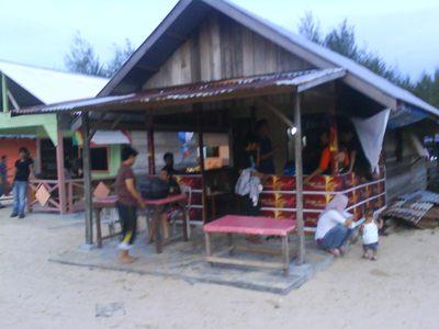 Kedai Tempat Pesan Makanan dan Minuman