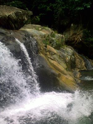 Air Terjun Lhoong