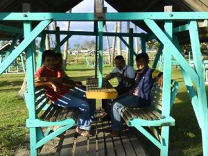 Jambo Dengan Tempat Duduk Berayun